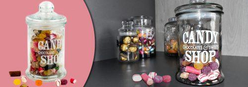 bonbonnière en verre garnie de bonbons