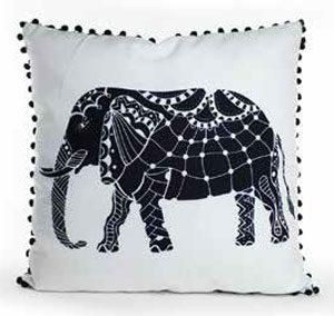 coussin éléphant décoré